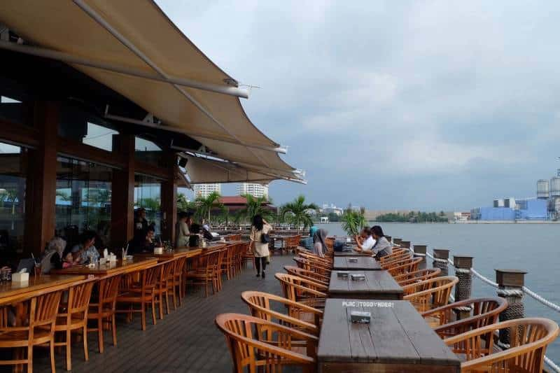 15+ Cafe di Jakarta Utara yang Instagrammable, Murah, dan Hits!