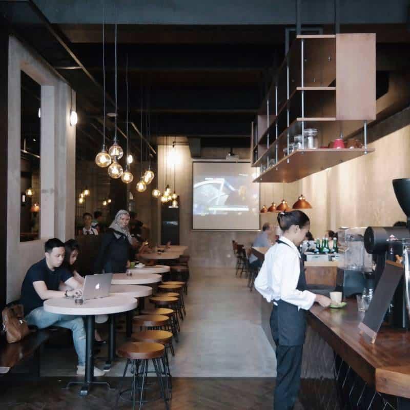 cafe di pik buka sampai malam