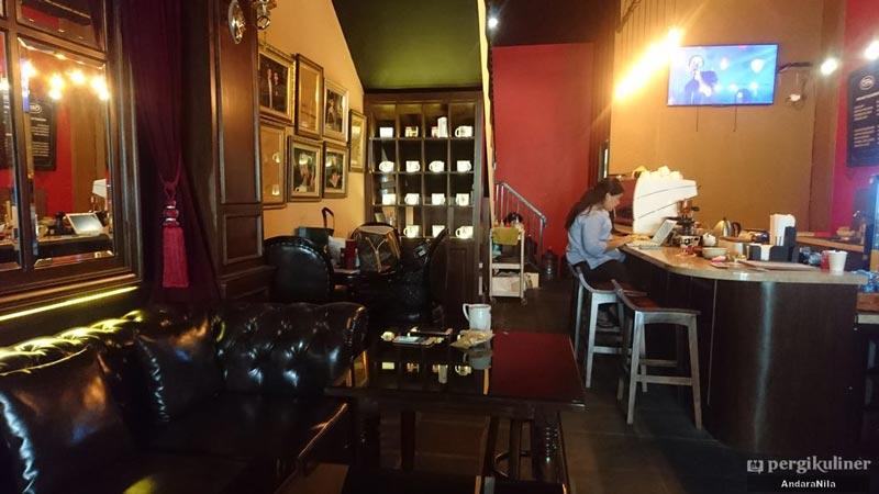 cafe di tebet barat