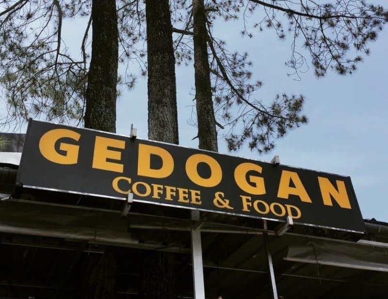 cafe di sekitar braga