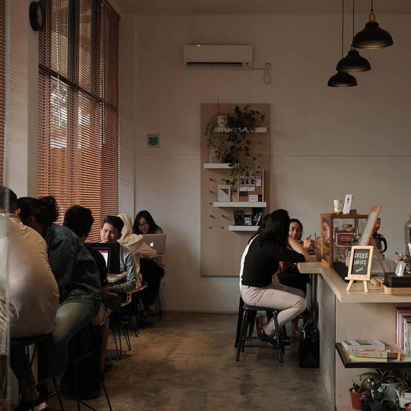 cafe 24 jam di cirebon