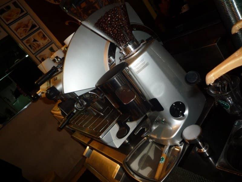 cafe di galaxy bekasi terbaru