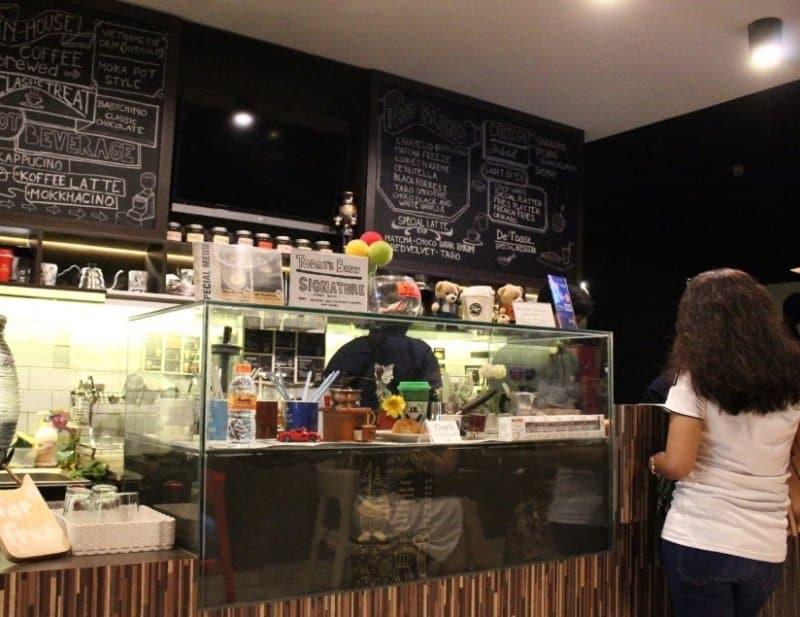 cafe di harapan indah bekasi 2019
