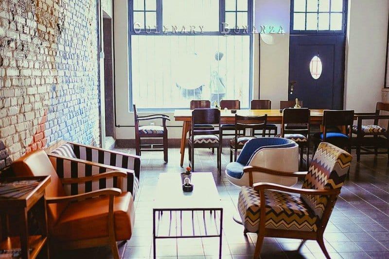 cafe yang ada di kota tua