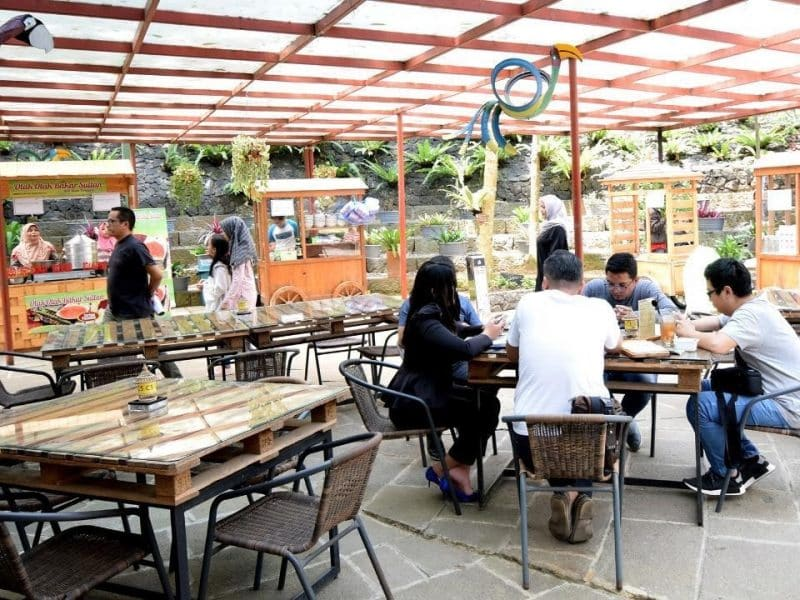 cafe romantis lembang