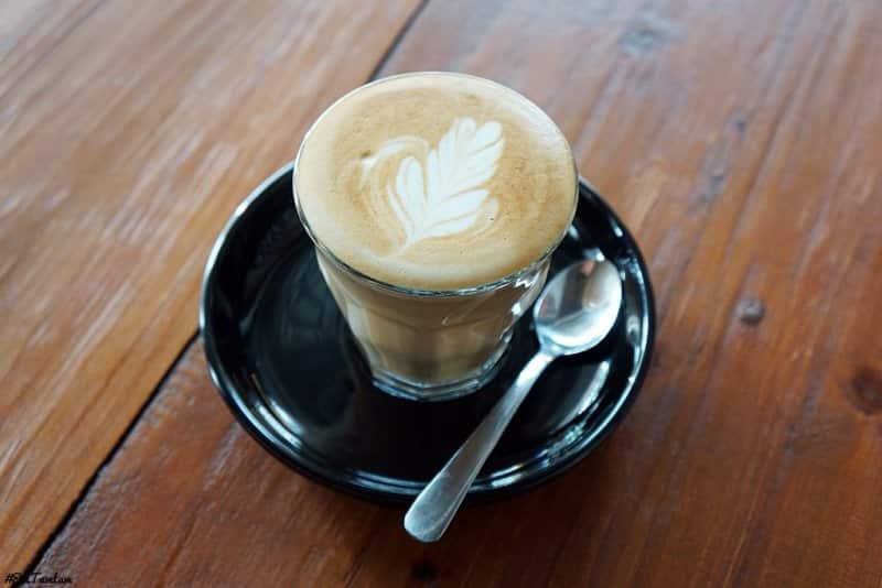 cafe hits di rawamangun