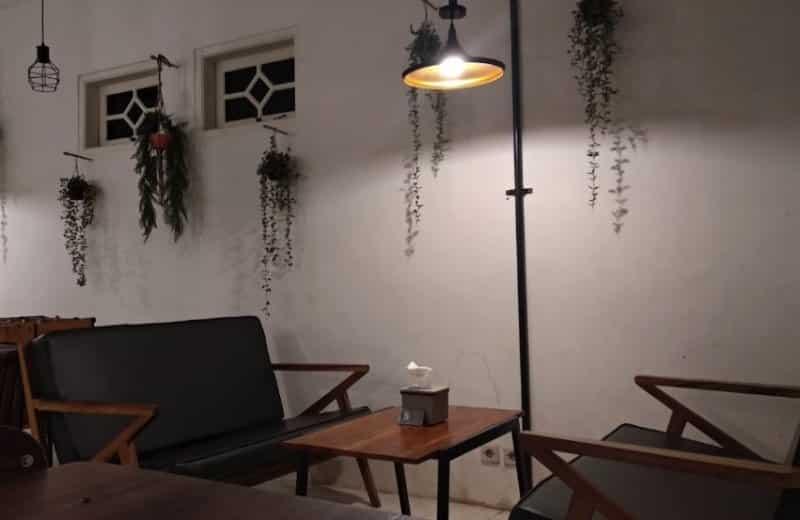 cafe friday purwakarta