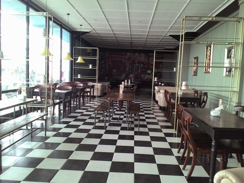 cafe antik sumedang