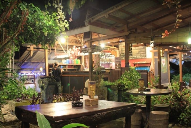 cafe di banyuwangi 24 jam