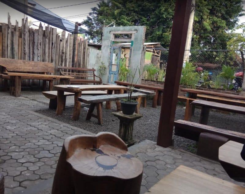 cafe di banyuwangi terlucu