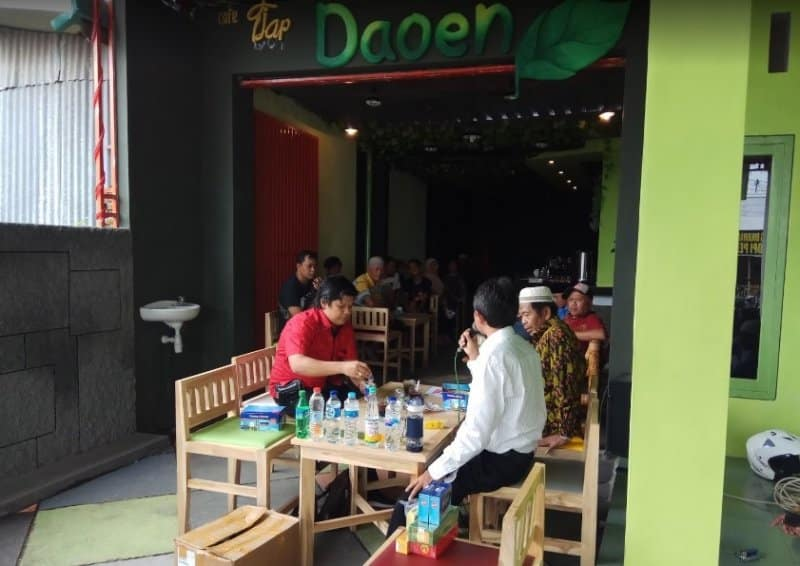 cafe di bondowoso asik