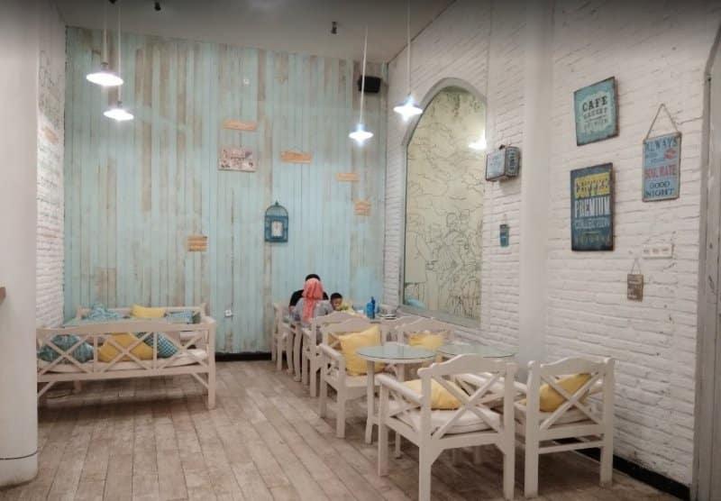 cafe di kediri dekat