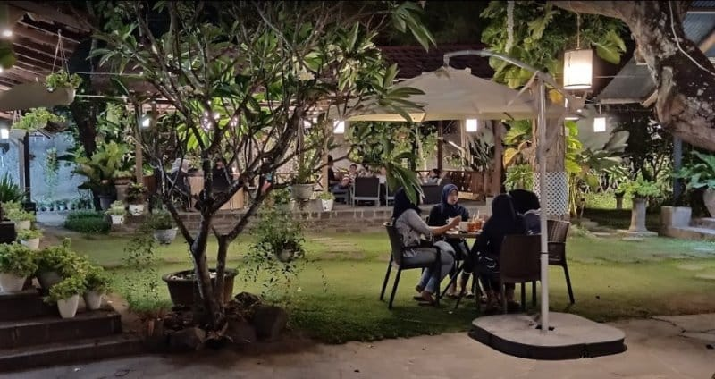 cafe outdoor klaten