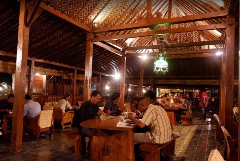 cafe romantis di klaten