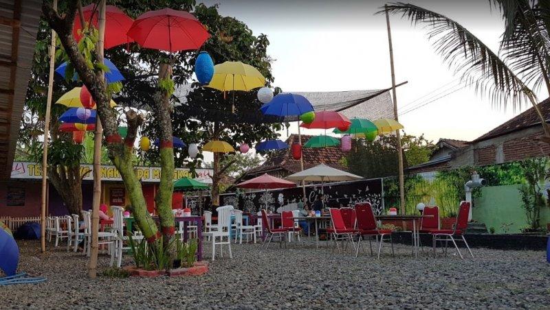 cafe di pati jawa tengah indonesia