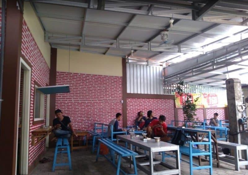 gambar cafe di pati