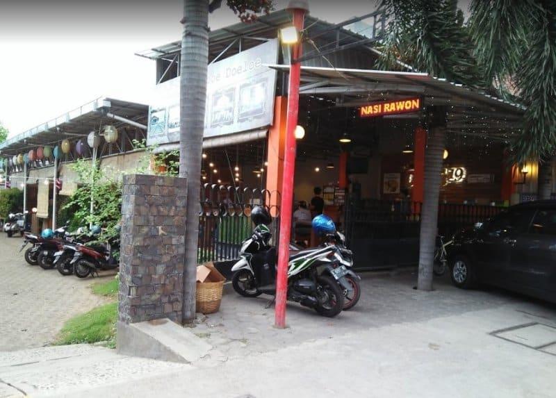 cafe di probolinggo unik