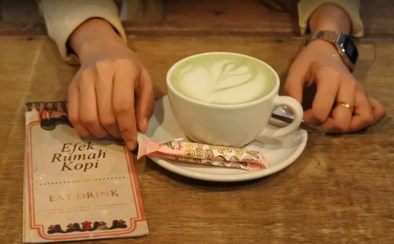 cafe di bontang enak