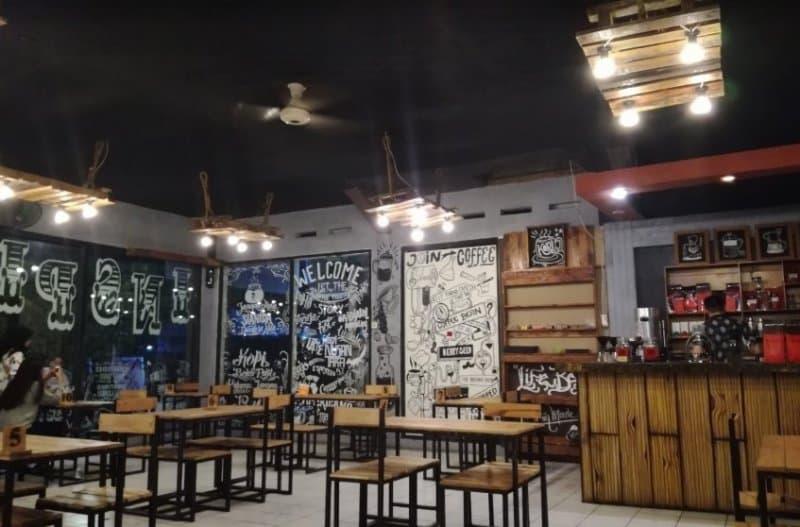 cafe di bontang paling ramai