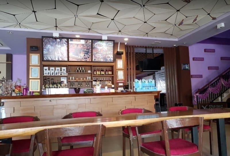 cafe di palangkaraya malam