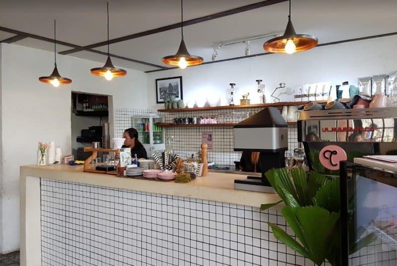 cafe di seminyak murah