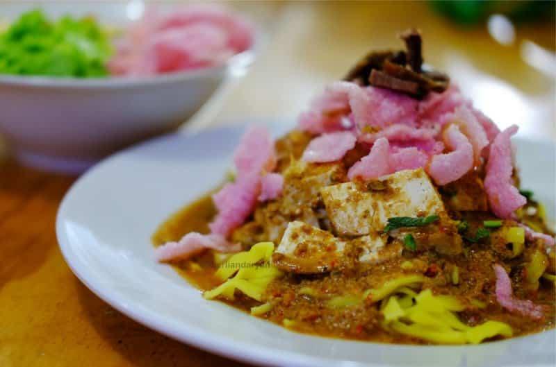 makanan khas indonesia padang