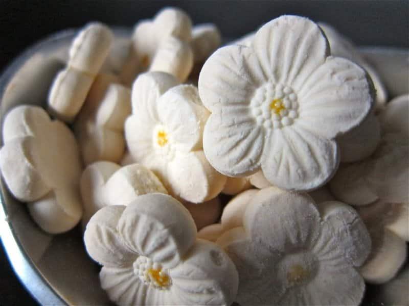 sambal nanas adalah makanan khas riau khususnya daerah