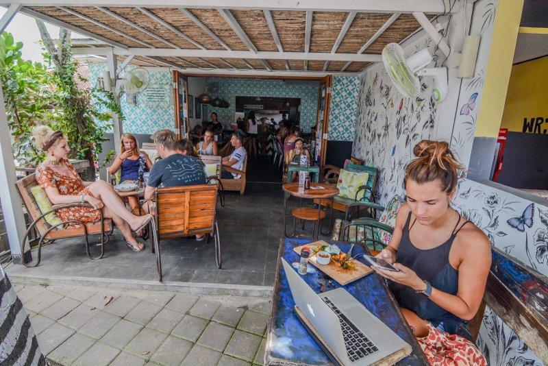 Cafe di Canggu yang alami