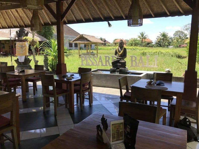 Cafe di Ubud siang