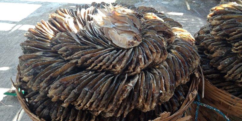 makanan khas gresik jatim yang terbuat dari ikan bandeng adalah