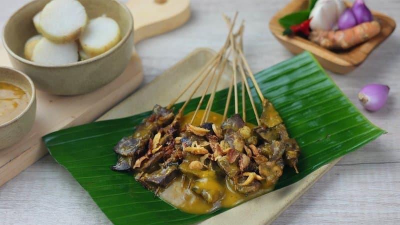makanan khas minangkabau sumatera rendang