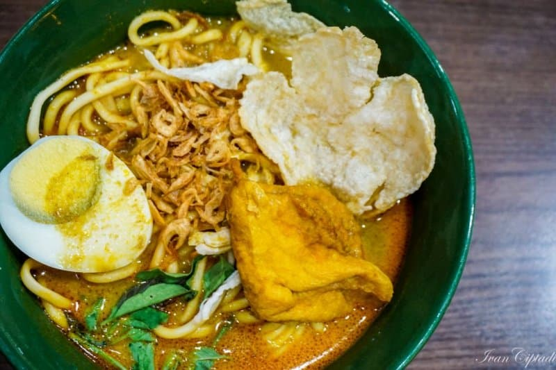 makanan khas singapura halal