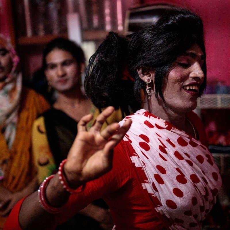 perhiasan wanita khas bangladesh