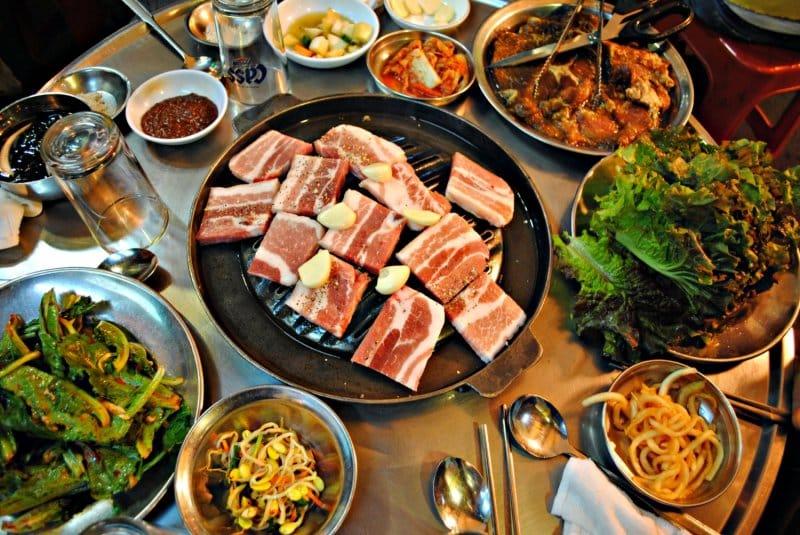 makanan khas korea selatan samgyeopsal
