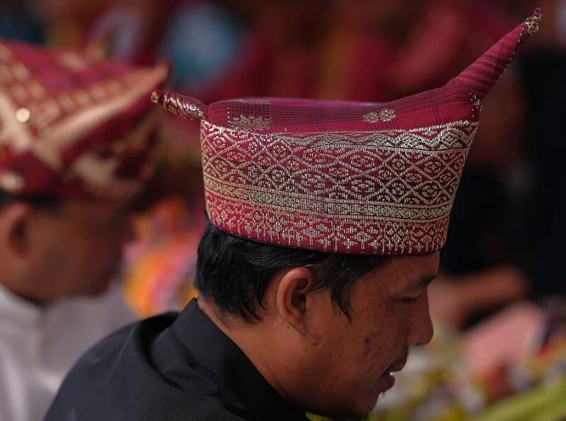 penutup kepala khas brunei darussalam