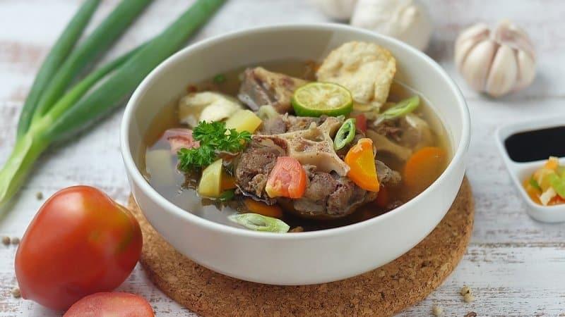 sop buntut makanan khas sidoarjo