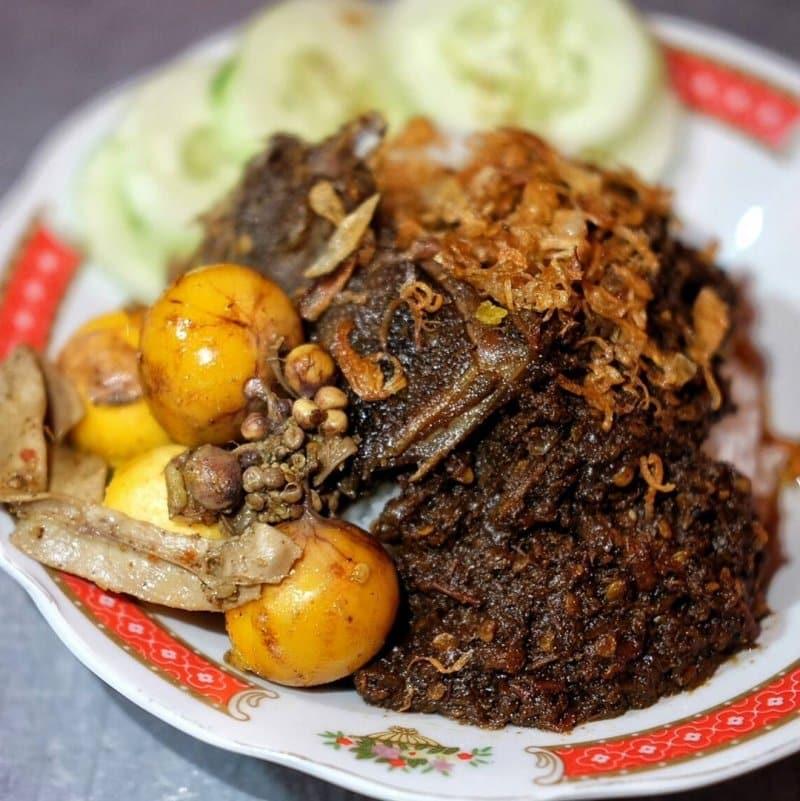 makanan khas tradisi yaa qowiyyu di klaten