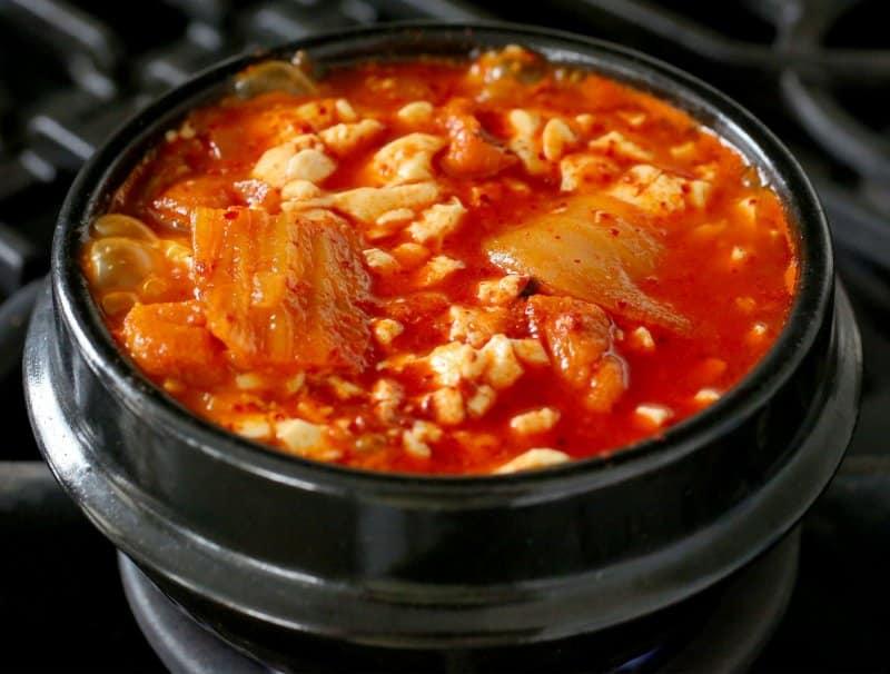 makanan mie korea selatan