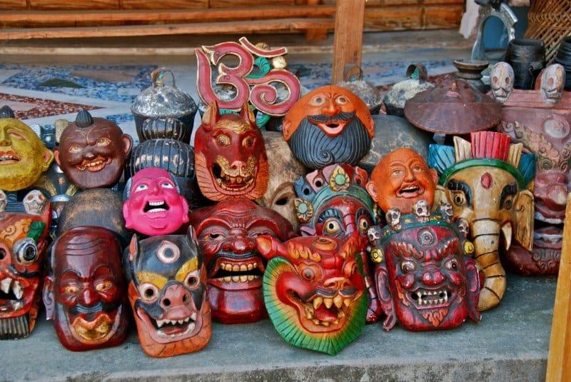 oleh-oleh tradisional masyarakat khas nepal