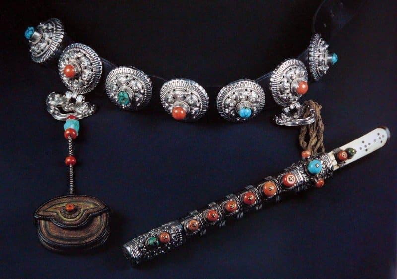 perhiasan 1