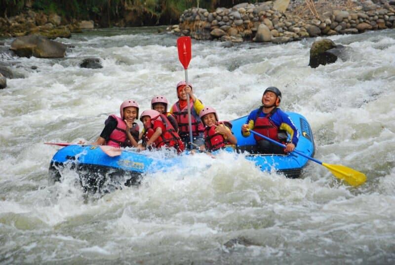 Arung-Jeram-Sungai-Serayu-Banjarnegara