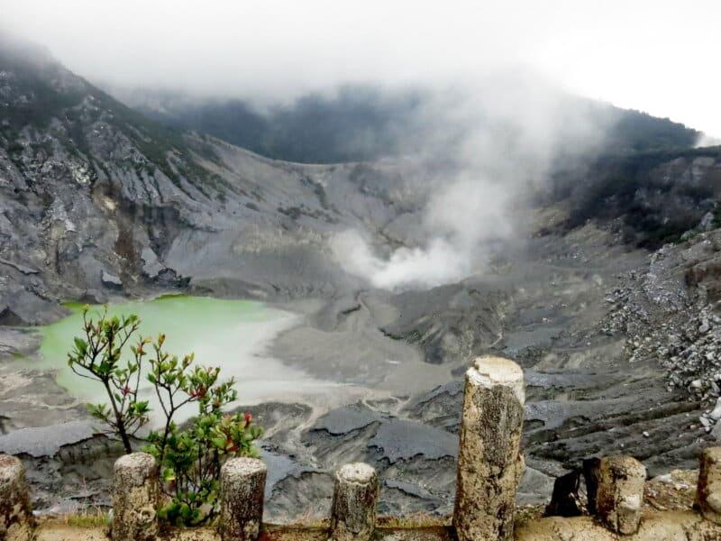 Gunung-Tangkuban-Perahu