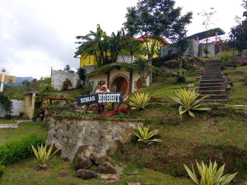 Hobbits-House-Rindu-Alam-Sidebuk-debuk