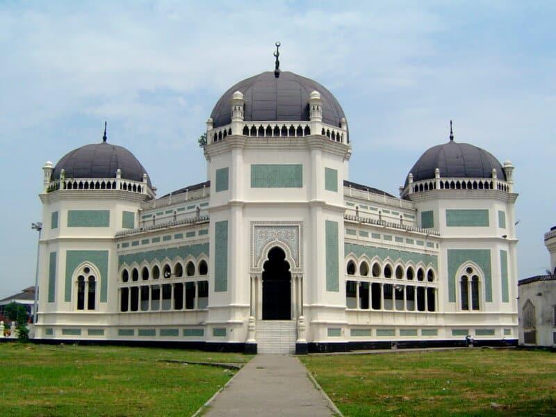 Masjid-Raya-Al-Mashun