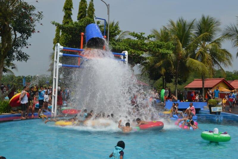 Owabong-Waterpark-Purbalingga