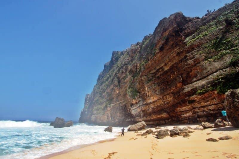Pantai-Karang-Payung-Wonogiri