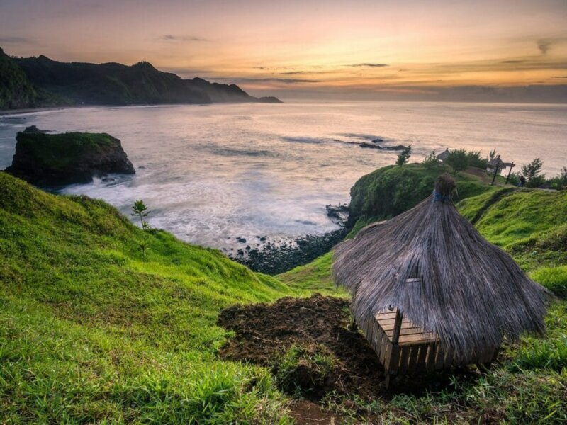 Pantai-Menganti-Kebumen