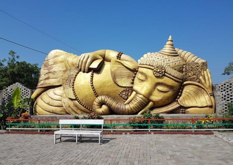 Patung-Ganesha-Raksasa-Grobogan