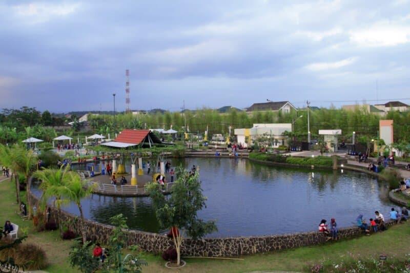 Taman-Balai-Kemambang