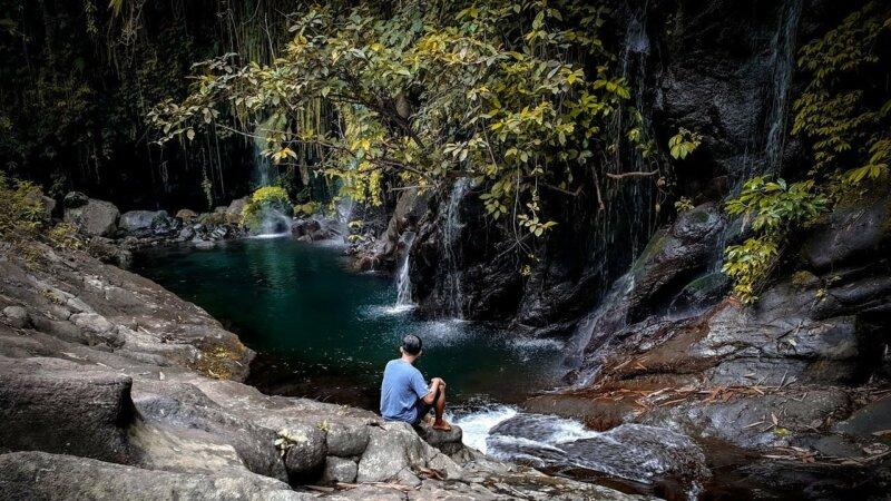 Taman-Wisata-Bambu-dan-Green-Stone-Waterfall